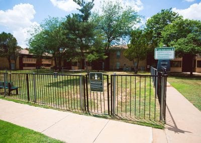 Lubbock-pet-friendly-apartment-dog-park