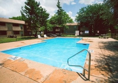 Lubbock-pet-friendly-apartment-pool